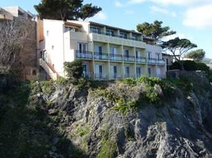 Hôtel Les Caranques II - Hôtels Collioure