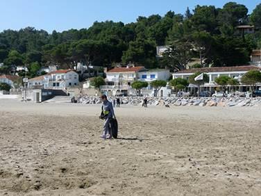 Journée de nettoyage de la plage de Leucate La Franqui
