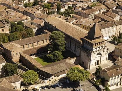 Abbaye Saint-Pierre et son cloître