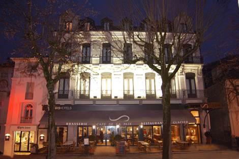 Façade Hôtel Acta
