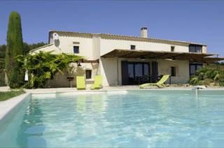 La Romance, piscine privée clôturée, 30 km Avignon Uzès, PMR, vignes et collines
