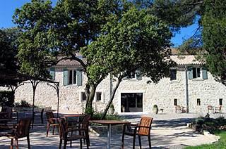 Entre Vigne et Garrigue, chambres d'hôtes