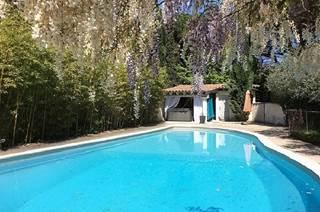 Gîtes avec piscine la Bastide des Pins