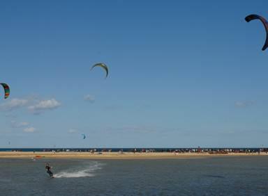 Découvrez le kitesurf