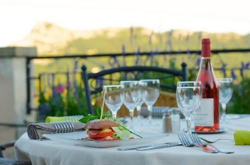 Restaurant La Porte Des Cévennes Terrasse ©