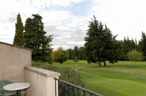 GOLF CLUB D'UZES vue sur le parcours de golf © ALLIER Maryse