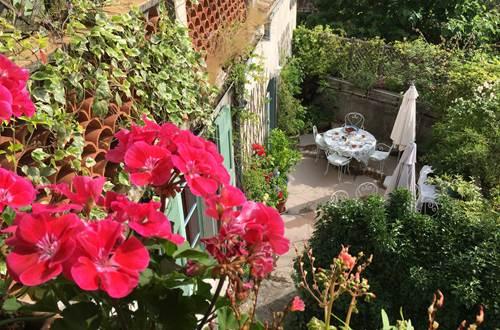 terrasse des petits-déjeuners et des dîners aux Asphodèles ©