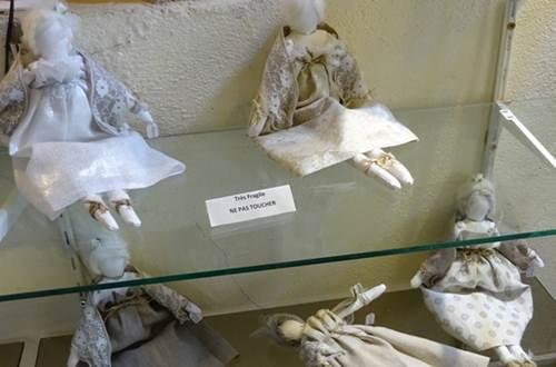 Galerie Angélique - poupées de chiffon © Galerie Angélique