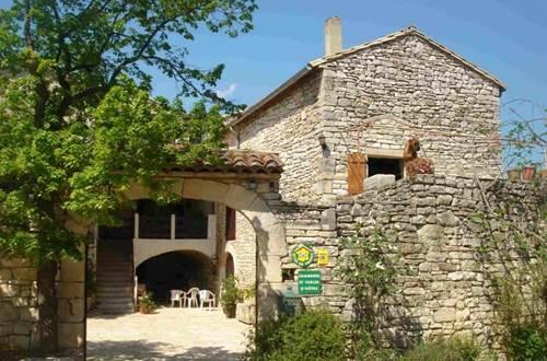 Gîte de séjour n°30G30072 – MONTCLUS – location Gard © Gîtes de France Gard