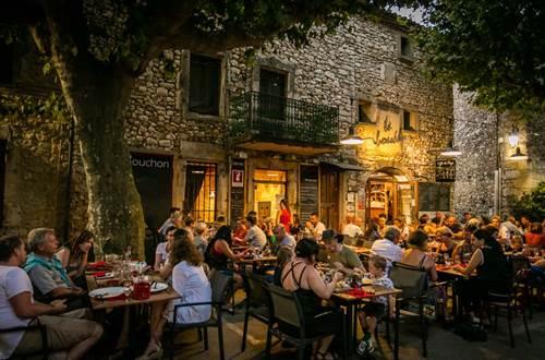 Le Café du Bouchon - Aiguèze © Sud de France Développement