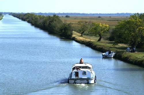 Sur le Canal du Rhône à Sète, Gallician ©