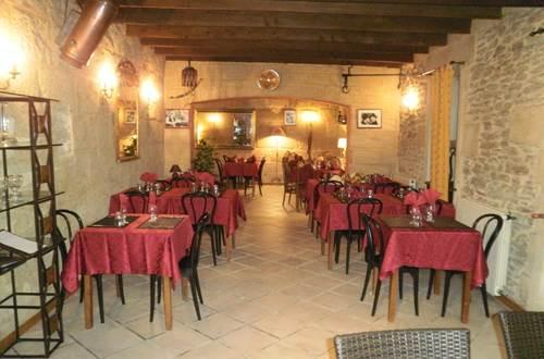 sernhac;gard;auberge;auberge restaurant guigare ©