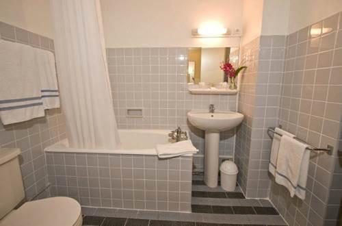 2012 ORLY Salle de bains ©