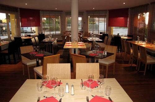 pouzilhac;gard;hotel;restaurant ©