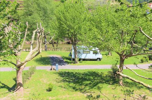 emplacement camping-car spacieux ©