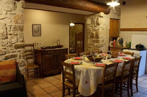 mas-le-bres-st-sebastien-d-aigrefeuille-table-repas ©