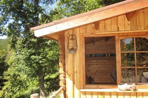 asinerie-badjane-cabane-du-trappeur-angle-avec-lanterne ©