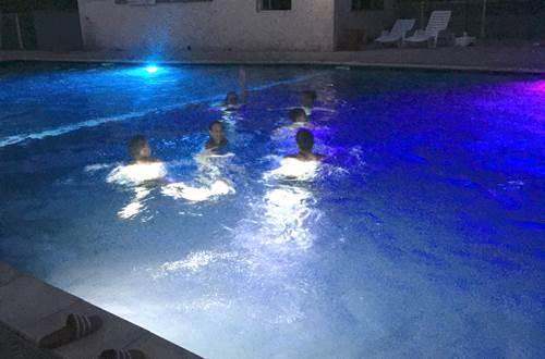 piscine en nocturne ©