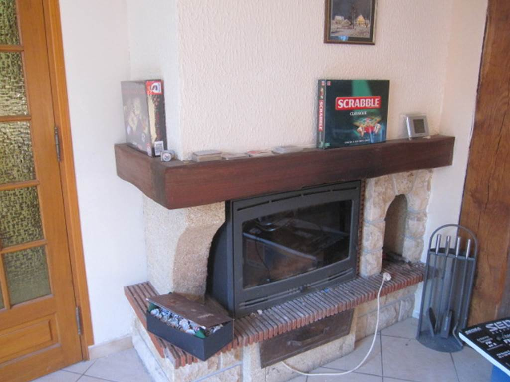 Gîte Lauberoye : cheminée